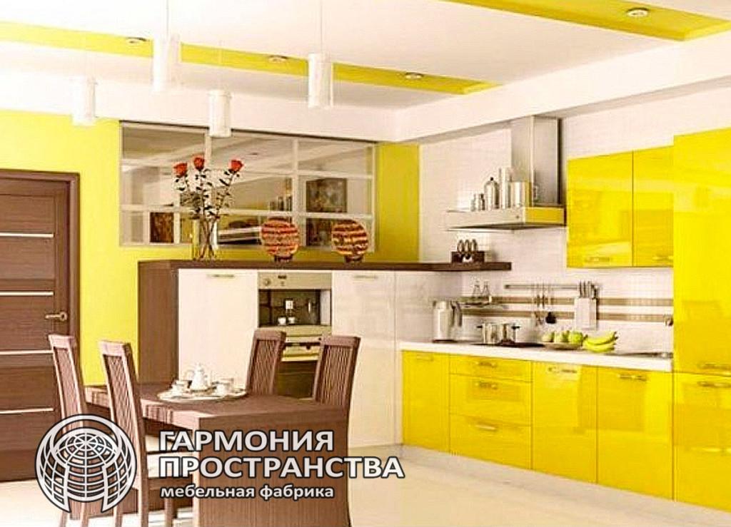 Цвет кухни: светло желтый